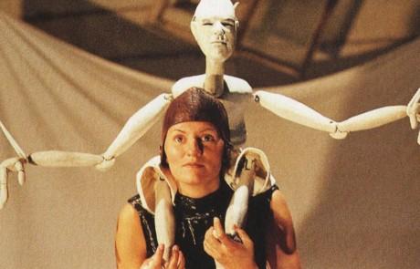 Figurentheater Paradox : Mrs.Ikarus - eine vertikale Reise
