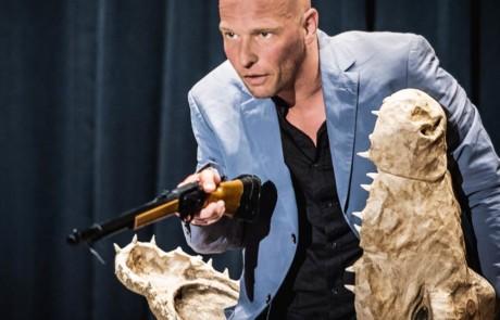 Florian Feisel : Puppen sterben besser!