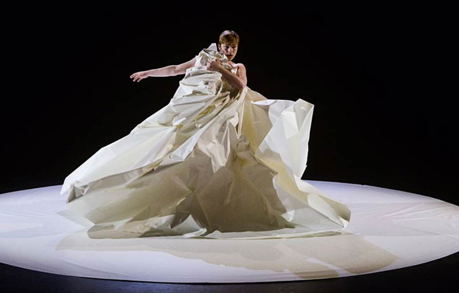 Figurentheater Antje Töpfer (D): 3 Akte – das stumme Lied vom Eigensinn