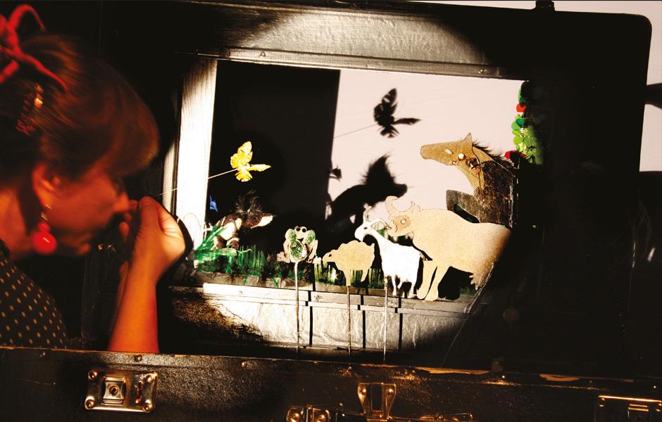 DAS KLEINE ICH BIN ICH (1) DAS WEITE THEATER Spiel-Irene Winter, Foto- Peter Koppatsch.jpg